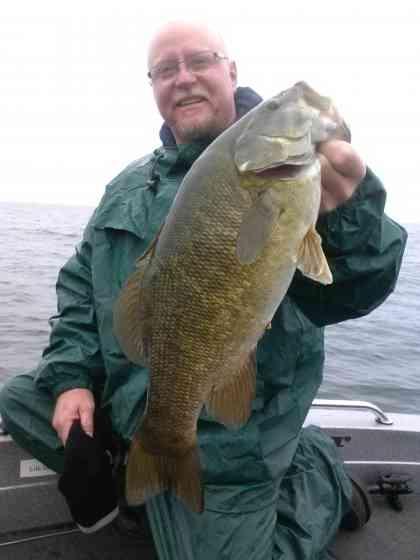 Sturgeon Bay Smallmouth Bass Fishing