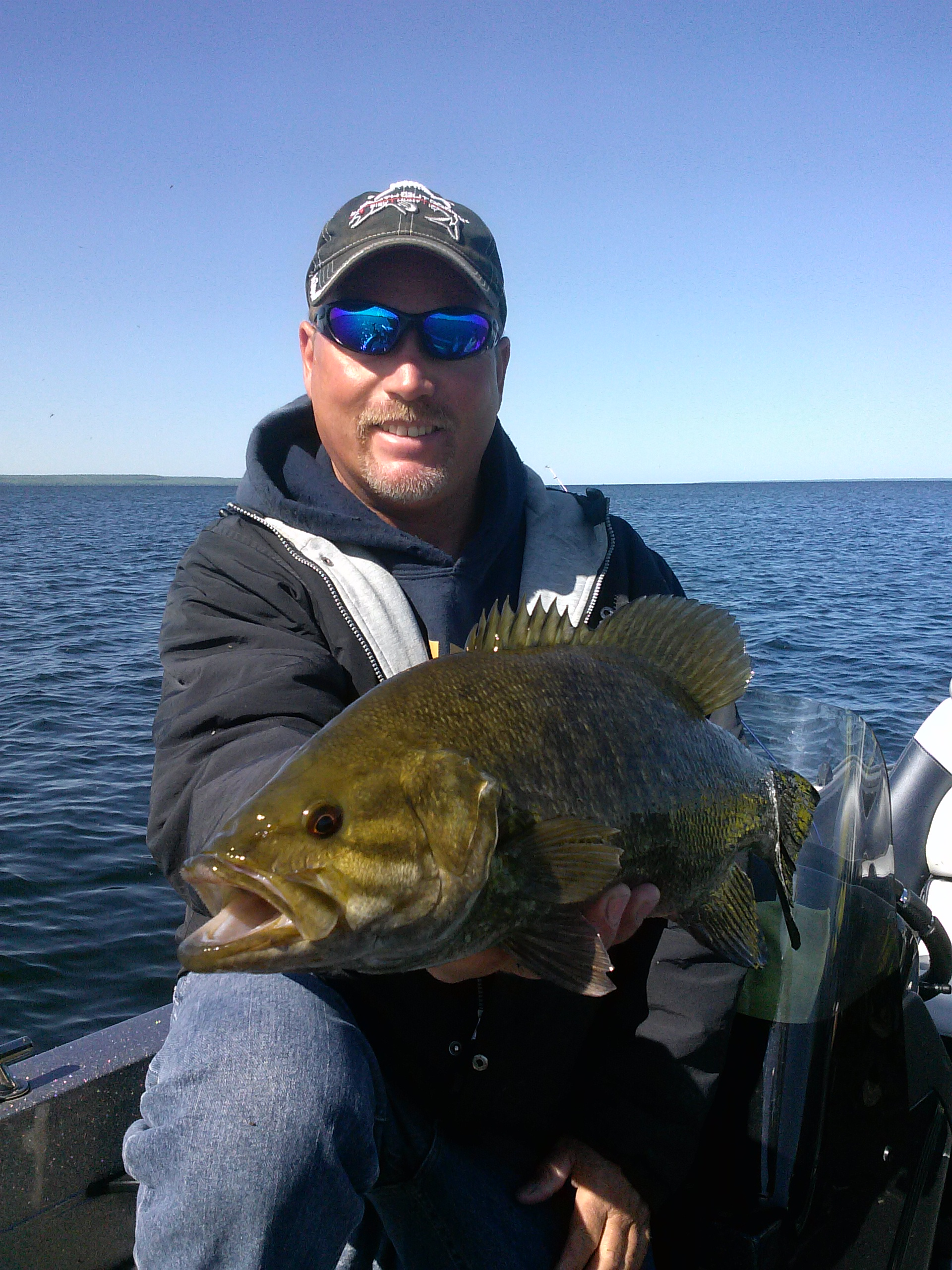 Fishing sturgeon bay smallmouth bass late eyes sport for Door county fishing report